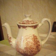 Antigüedades: CAFETERA ROYAL TUDOR WARE STAFFORDSHIRE,ROJO.MOTIVO CARRUAJES. Lote 180900803