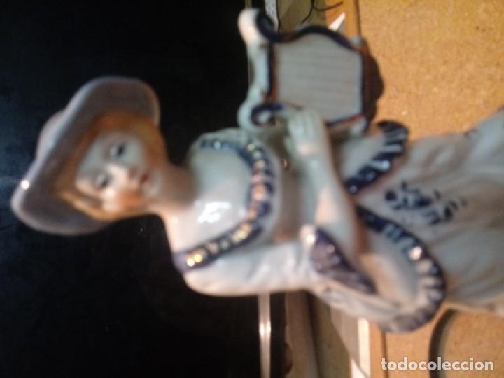 Antigüedades: FIGURA DE MUJER EN PORCELANA DE 20 cm - Foto 4 - 180909836