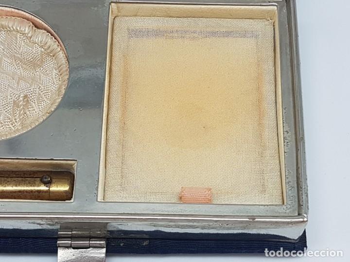 Antigüedades: PORTA MAQUILLAJE MONEDERO DE DAMA CON ESPEJO ( EN TELA ) AÑOS 30/40 - Foto 7 - 180936281