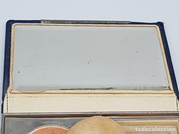 Antigüedades: PORTA MAQUILLAJE MONEDERO DE DAMA CON ESPEJO ( EN TELA ) AÑOS 30/40 - Foto 12 - 180936281