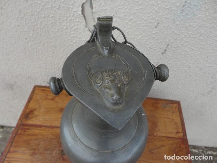 Antigüedades: Jarra de estaño con tapa de carnero sXIX - Foto 2 - 180952465