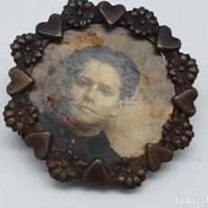 Antigüedades: BROCHE ANTIGUO CON FOTOGRAFIA DE ÉPOCA ( AÑOS 20/30 ). Lote 180957615
