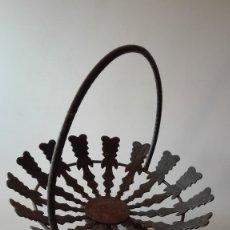 Antigüedades: ANTIGUO FRUTERO FORJA. Lote 180963543