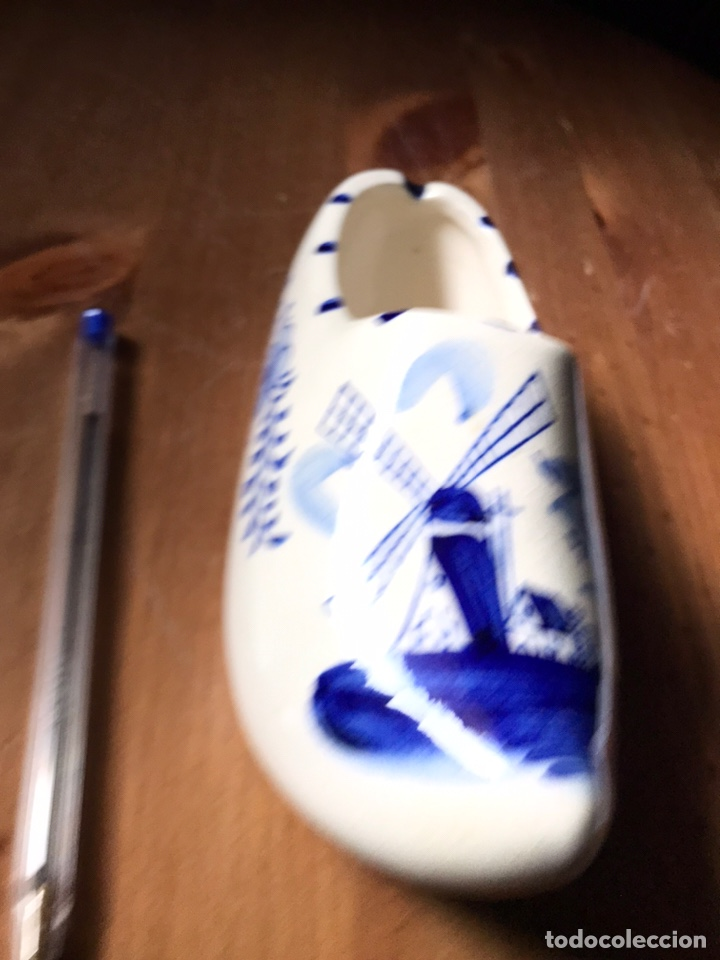 Antigüedades: Zapato-zueco, azul de Holanda - Foto 6 - 180967971