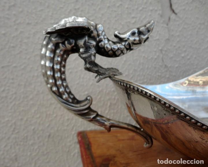 Antigüedades: Fuente o centro de mesa con asas de dragones alados, alpaca plateada - Foto 3 - 181000507