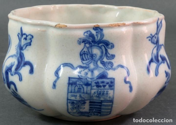Antigüedades: Jarra con dos cuencos y un tazón en cerámica blanca y azul Talavera Ruiz de Luna ppos s xx - Foto 8 - 181008417