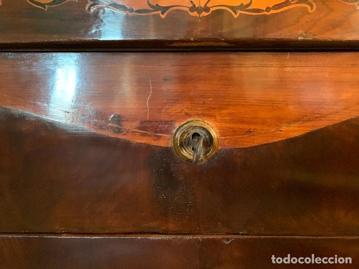 Antigüedades: Preciosa cómoda antigua con marqueteria de boj. Ver descripcion y medidas - Foto 5 - 181018198
