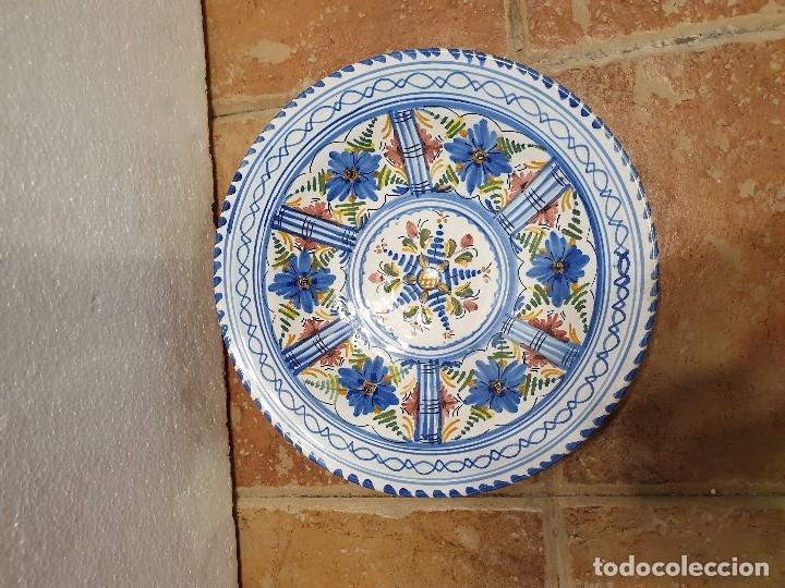 PLATO CERAMICA FIRMADO 30 CM (Antigüedades - Porcelanas y Cerámicas - Otras)