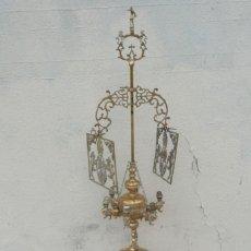 Antigüedades: GRAN VELON DE ACEITE EN BRONCE 140 DE DE ALTURA . Lote 181122477