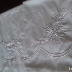 Antigüedades: SABANA BORDADA A MAQUINA DE TERGAL COLOR BEIG.. Lote 181136541