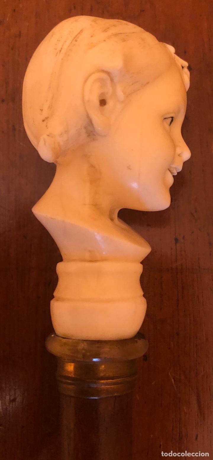 Antigüedades: Magnífico bastón de paseo, con puño de marfil, de talla europea, y vástago en madera de chicaranda. - Foto 2 - 181182112