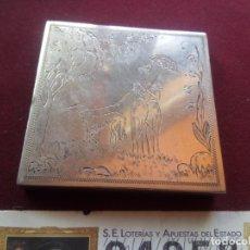 Antigüedades: CAJA ANTIGUA DE MAQUILLAJE DE PLATA. 102,7 GRAMOS. Lote 181189688