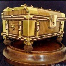 Antigüedades: ANTIGUO BAUL - COFRE - PARA JOYAS O FOTOS. Lote 181208531