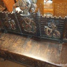 Antigüedades: BAUL ARCON ANTIGUO CON TALLADO ARTESANAL. Lote 181317177
