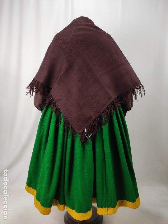 ANTIGUO MANTÓN DE MERINO COLOR VINAGRE (Antigüedades - Moda - Mantones Antiguos)