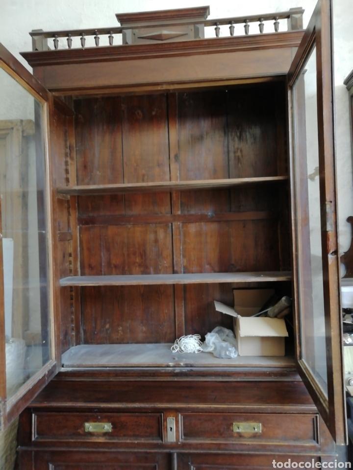 Antigüedades: Mueble vitrina del siglo xix - Foto 5 - 181352273