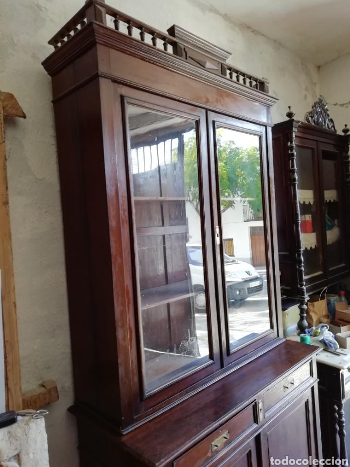 Antigüedades: Mueble vitrina del siglo xix - Foto 7 - 181352273