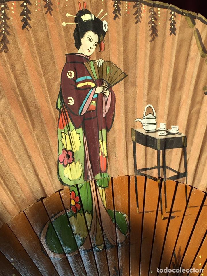 PRECIOSO GRAN ABANICO ANTIGUO JAPÓN CHINA PINTADO A MANO (Antigüedades - Moda - Abanicos Antiguos)