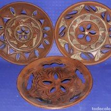 Antigüedades: LOTE 3 PLATOS BARRO COCIDO CALADO. Lote 181391181