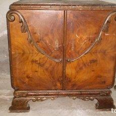Antigüedades: MESILLA DE NOCHE. Lote 181437460