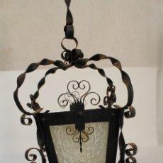 Antigüedades: LAMPARA DE TECHO FAROL EN HIERRO DE FORJA Y CRISTAL. Lote 181445556