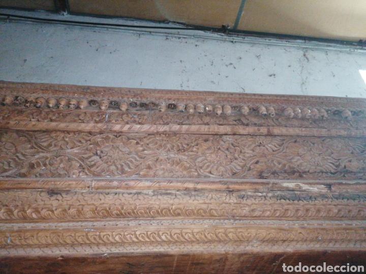 Antigüedades: Puerta India original de teka en buen estado con señales de uso normales - Foto 4 - 181446137
