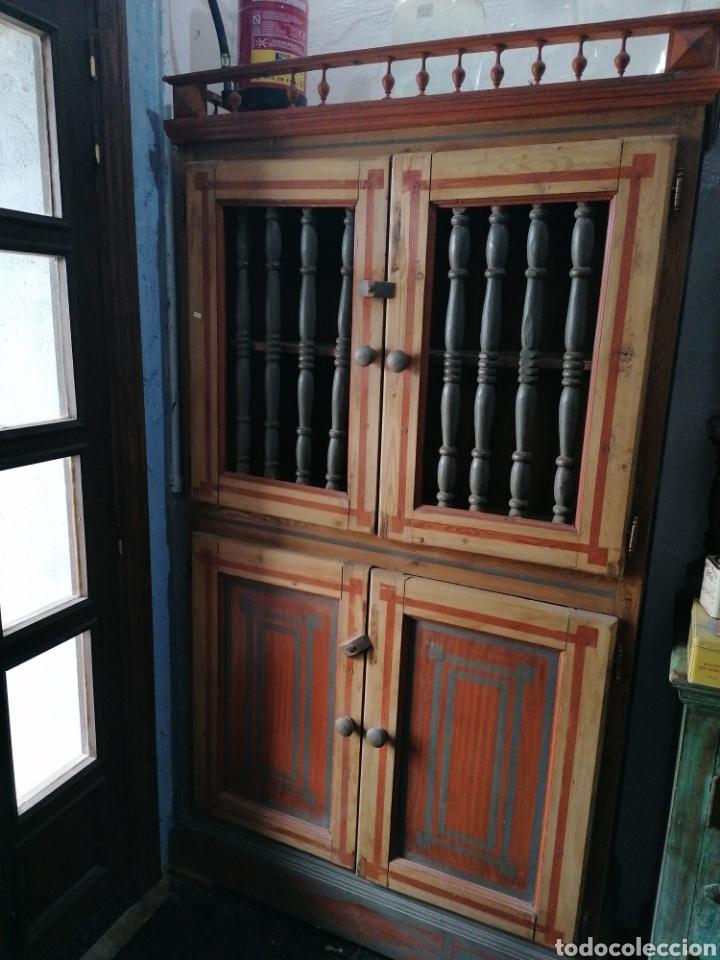 ALACENA PINTADA DE PALITOS (Antigüedades - Muebles Antiguos - Aparadores Antiguos)