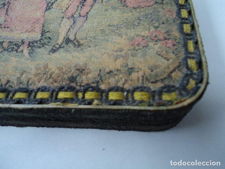 Antigüedades: caja decorada con tapiz años 50 mide 14x14x3,5cm. bien conservada preciosa curiosidad ver fotos - Foto 2 - 181498638