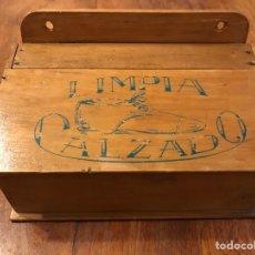 Antigüedades: CAJA LIMPIA CALZADO MADERA. Lote 181502547
