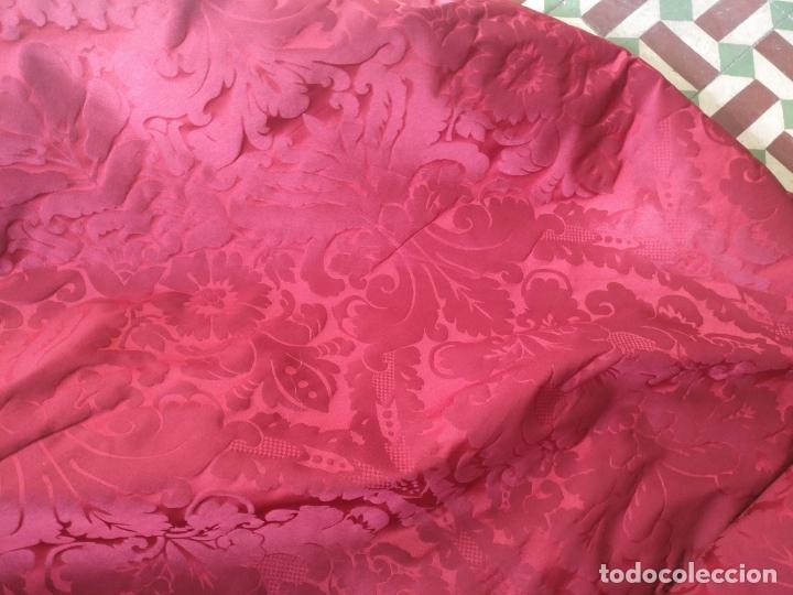 Antigüedades: brocado damasco cofrade rojo 314 cm x 2 metro telon cortina manto saya virgen semana santa CRISTO - Foto 3 - 270961798