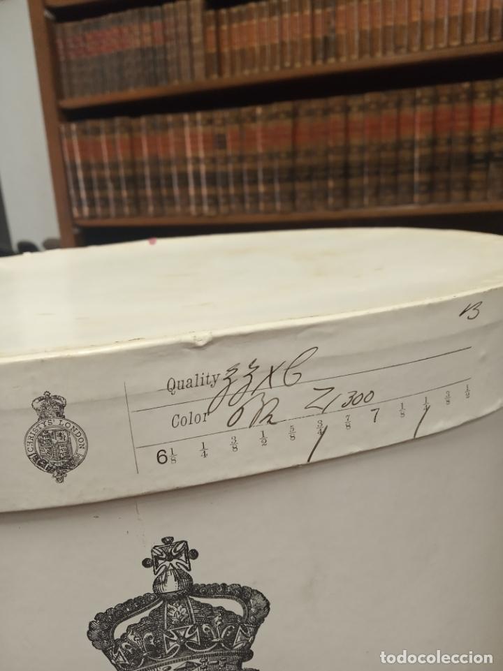 Antigüedades: Bonita e interesante caja de sombrero de copa de la prestigiosa casa inglesa Christys London. - Foto 3 - 181512518