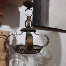 Antigüedades: ANTIGUA LAMPARA DE HIERRO FORJADO TIPO SOL CON TULIPA DE CRISTAL. Lote 181521352
