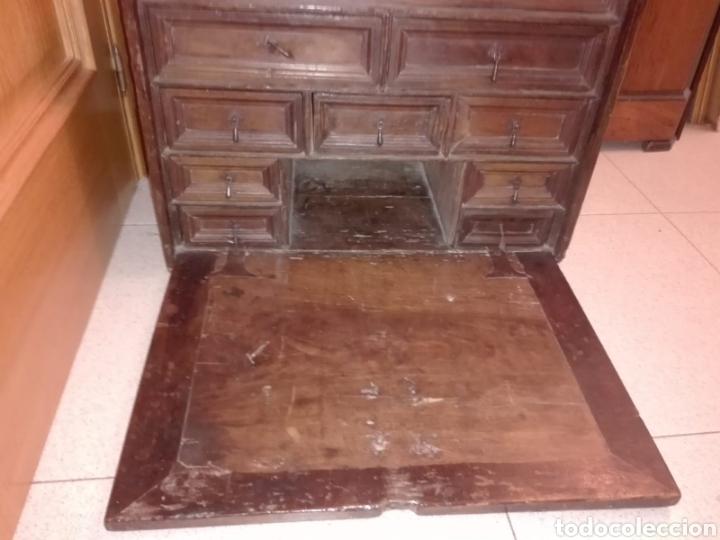 BARGUEÑO CASTELLANO DE NOGAL, HACIA 1700. (Antigüedades - Muebles Antiguos - Bargueños Antiguos)
