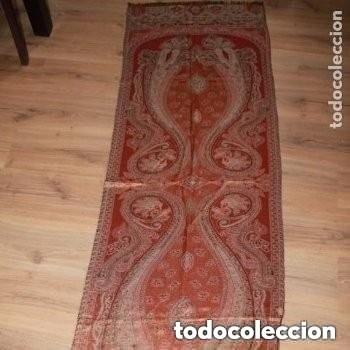FULAR CON HILO DORADO Y PLATEADO,PROCEDENCIA DE LA INDIA (Antigüedades - Moda - Pañuelos Antiguos)