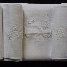 Antigüedades: ANTIGUA MANTELERÍA DE LINO ADAMASCADO - 11 SERVICIOS PRINCIPIO S. XX. Lote 181586517