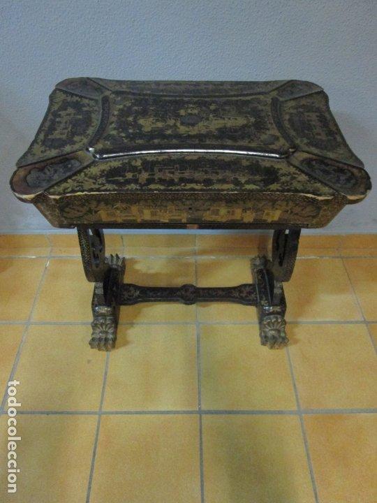 Antigüedades: Precioso Costurero - Madera Lacada y Dorada con Chinoiseries - Interior en Marfil y Espejo -S. XVIII - Foto 2 - 181594771