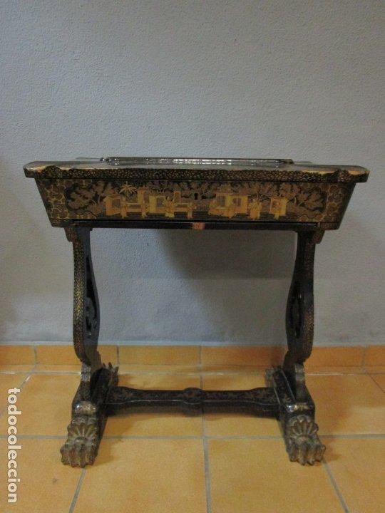 Antigüedades: Precioso Costurero - Madera Lacada y Dorada con Chinoiseries - Interior en Marfil y Espejo -S. XVIII - Foto 3 - 181594771