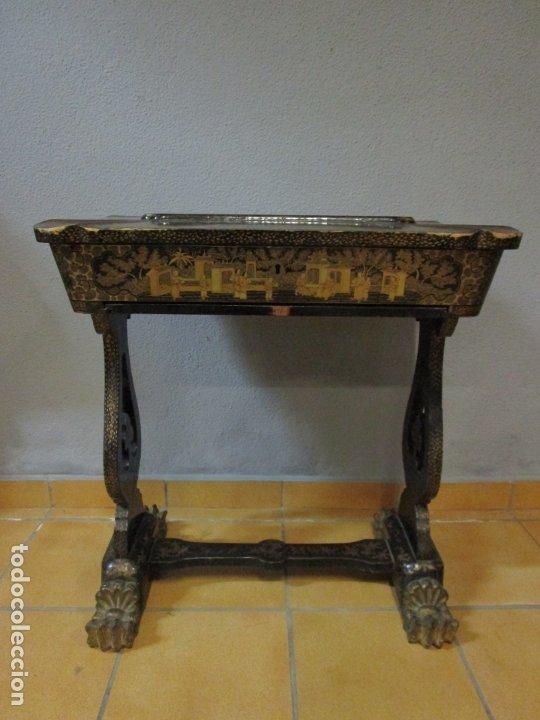 Antigüedades: Precioso Costurero - Madera Lacada y Dorada con Chinoiseries - Interior en Marfil y Espejo -S. XVIII - Foto 9 - 181594771