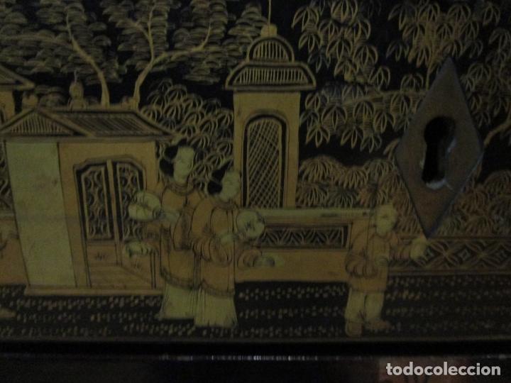 Antigüedades: Precioso Costurero - Madera Lacada y Dorada con Chinoiseries - Interior en Marfil y Espejo -S. XVIII - Foto 10 - 181594771