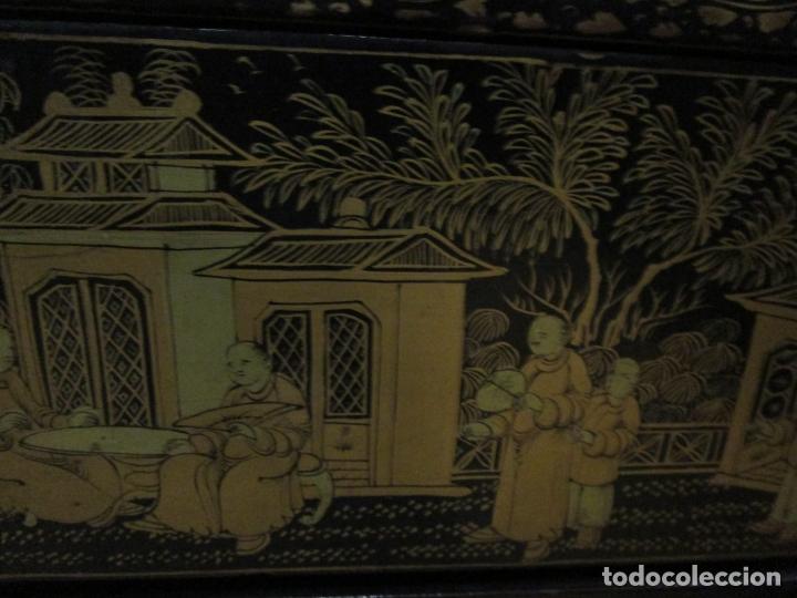 Antigüedades: Precioso Costurero - Madera Lacada y Dorada con Chinoiseries - Interior en Marfil y Espejo -S. XVIII - Foto 11 - 181594771