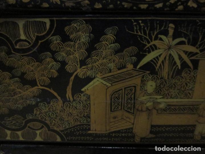 Antigüedades: Precioso Costurero - Madera Lacada y Dorada con Chinoiseries - Interior en Marfil y Espejo -S. XVIII - Foto 12 - 181594771