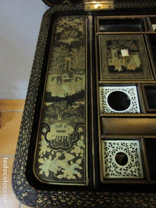Antigüedades: Precioso Costurero - Madera Lacada y Dorada con Chinoiseries - Interior en Marfil y Espejo -S. XVIII - Foto 25 - 181594771