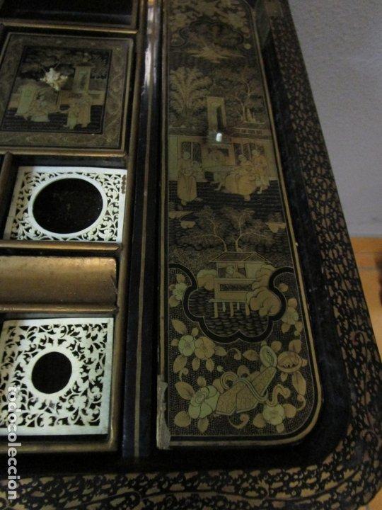 Antigüedades: Precioso Costurero - Madera Lacada y Dorada con Chinoiseries - Interior en Marfil y Espejo -S. XVIII - Foto 29 - 181594771