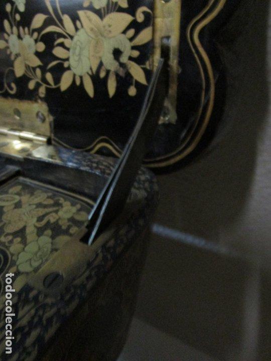 Antigüedades: Precioso Costurero - Madera Lacada y Dorada con Chinoiseries - Interior en Marfil y Espejo -S. XVIII - Foto 38 - 181594771
