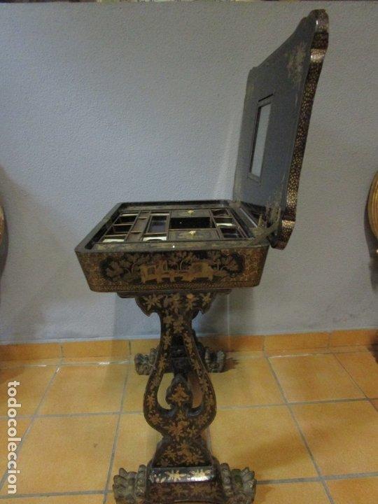 Antigüedades: Precioso Costurero - Madera Lacada y Dorada con Chinoiseries - Interior en Marfil y Espejo -S. XVIII - Foto 46 - 181594771