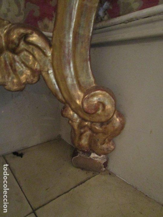 Antigüedades: Pareja de Consolas Rinconeras Barrocas - Carlos III - Madera Tallada y Dorada en Pan de Oro S. XVIII - Foto 4 - 181599410
