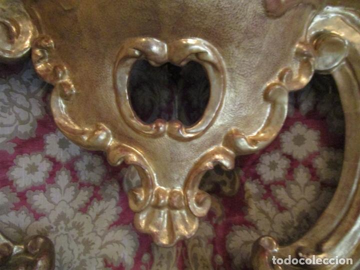 Antigüedades: Pareja de Consolas Rinconeras Barrocas - Carlos III - Madera Tallada y Dorada en Pan de Oro S. XVIII - Foto 9 - 181599410
