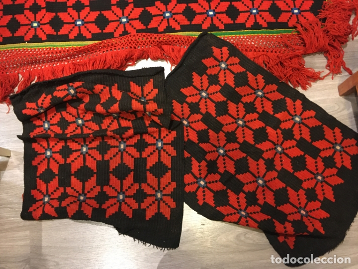 Antigüedades: Cobertor de lana para tarima o bancamanchega y dos piezas para hacer cojines, fotos - Foto 3 - 181599517