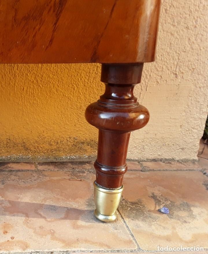 Antigüedades: Habitación completa caoba, de J.M.Busquets (Girona). Años 30. Cama,mesilla ,armario y sillas. - Foto 6 - 181602880