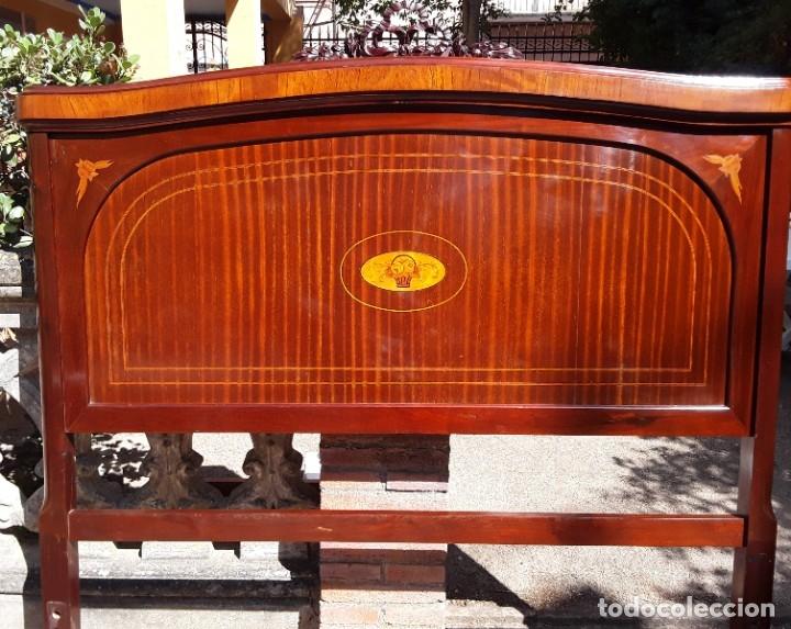 Antigüedades: Habitación completa caoba, de J.M.Busquets (Girona). Años 30. Cama,mesilla ,armario y sillas. - Foto 9 - 181602880